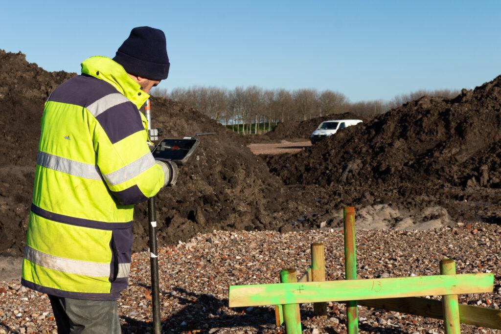 Landmeten op locatie Almere