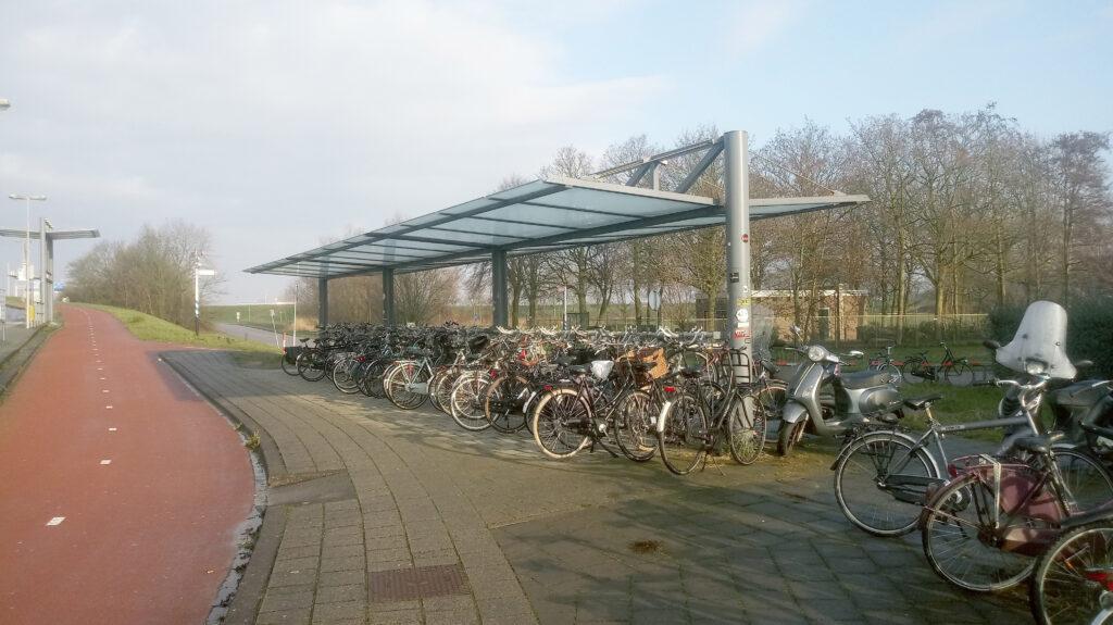 Fietsenstalling busstation oost